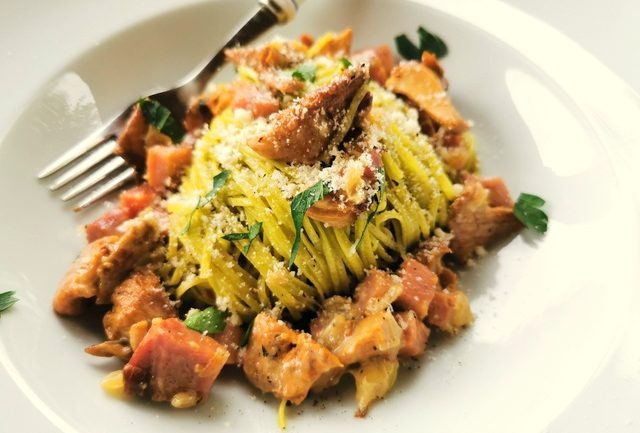 tagliolini with chanterelles and speck
