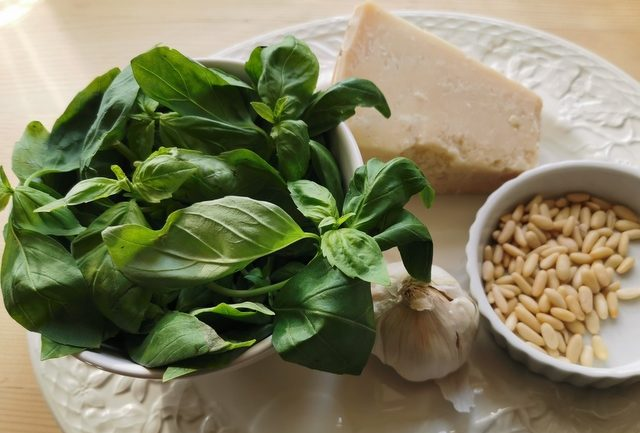 ingredients to make basil pesto