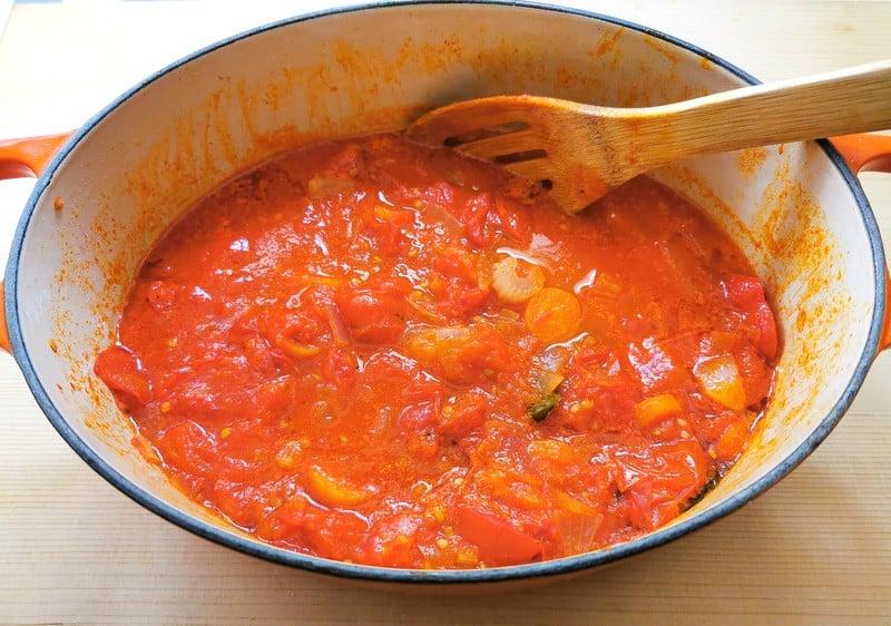 Tuscan pomarola tomato sauce