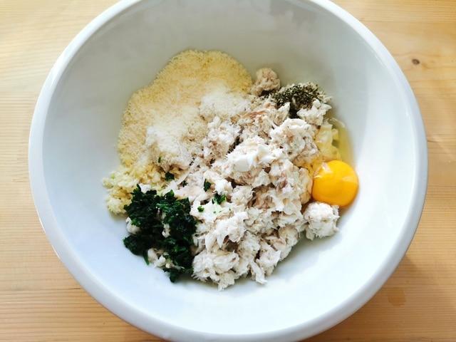 filling for fish ravioli in white bowl