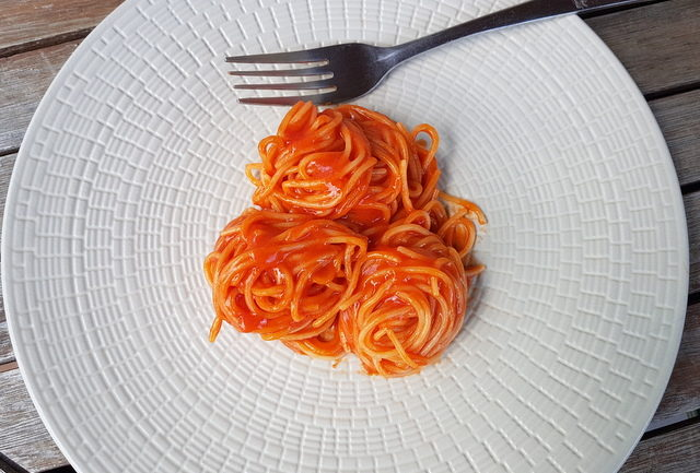 best spaghetti with tomato sauce ever (La Devozione)