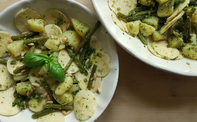 corzetti pesto pasta Liguria with potatoes and green beans