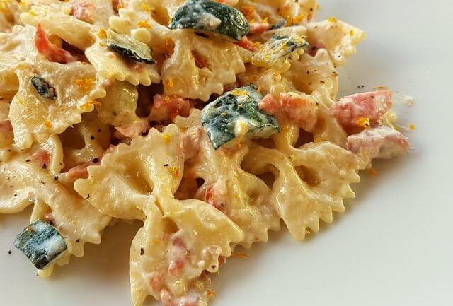 farfalle pasta with smoked salmon & zucchini