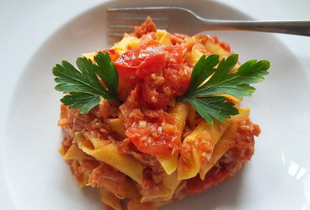 garganelli pasta with canned tuna Bolognese