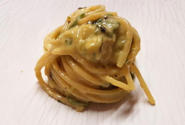 Vermicelli with zucchini carbonara (chef Peppe Guida)