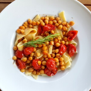 lagane with chickpeas