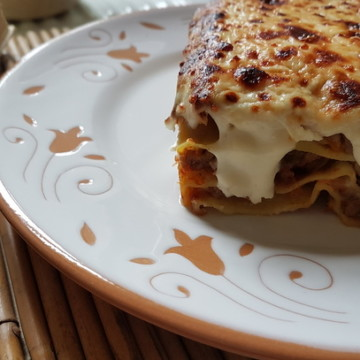 lasagna with bolognese sauce