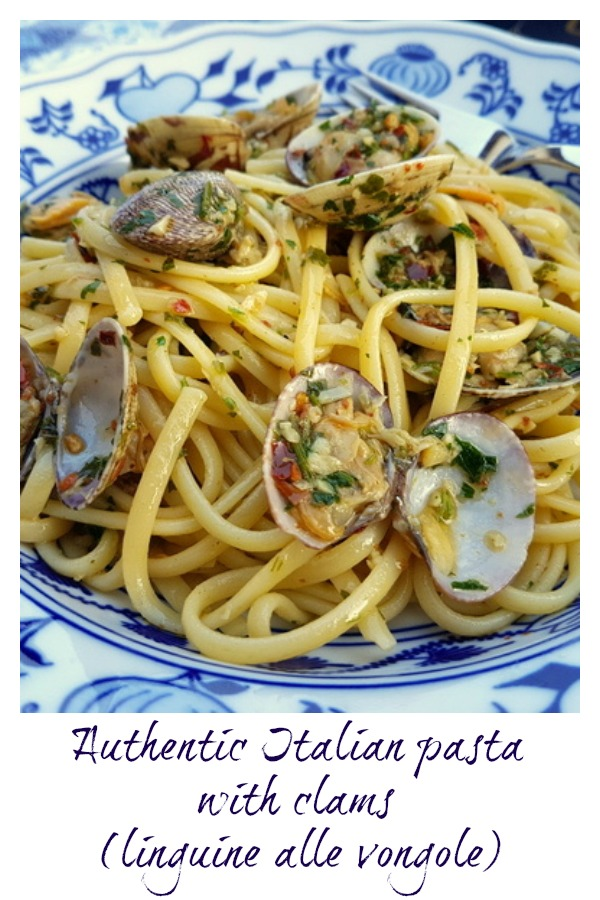 linguine pasta alle vongole - pasta with clams
