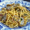 Linguine pasta alle vongole (linguine with clams)