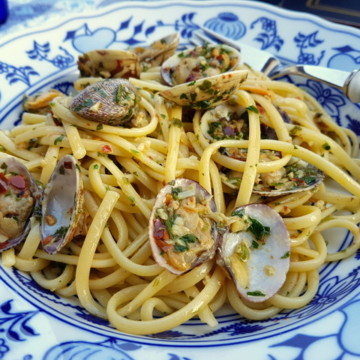 Seafood pasta recipes linguine pasta alle vongole - linguine with clams