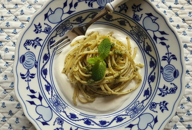 linguine pasta with mint pesto and ricotta cream