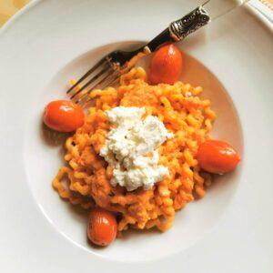 long fusilli pasta with pesto Calabrese