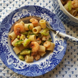 mezze maniche pasta with zucchini and prawns