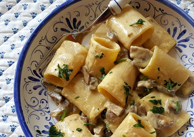 Pasta with mushrooms and cream recipe from Naples