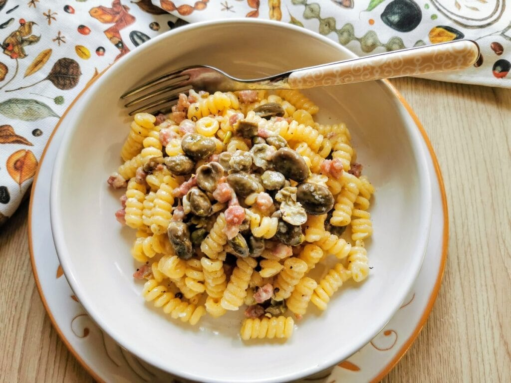Pasta with fava beans and pancetta.