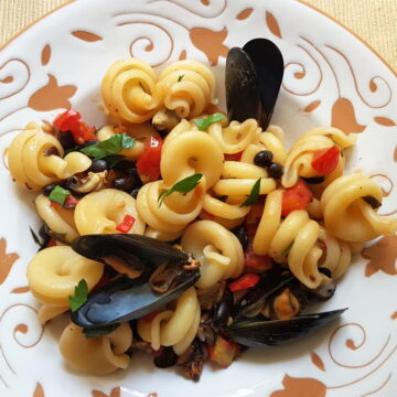 pasta with mussels and beans