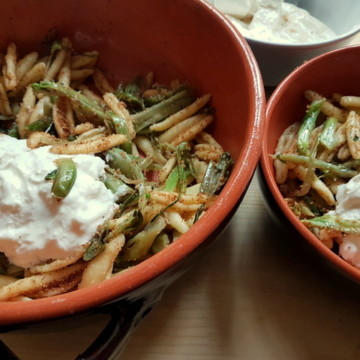 puntarelle pasta with burrata