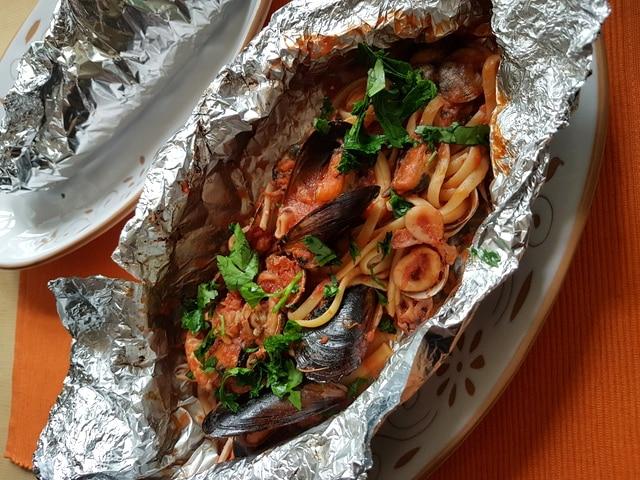 seafood linguine al cartoccio