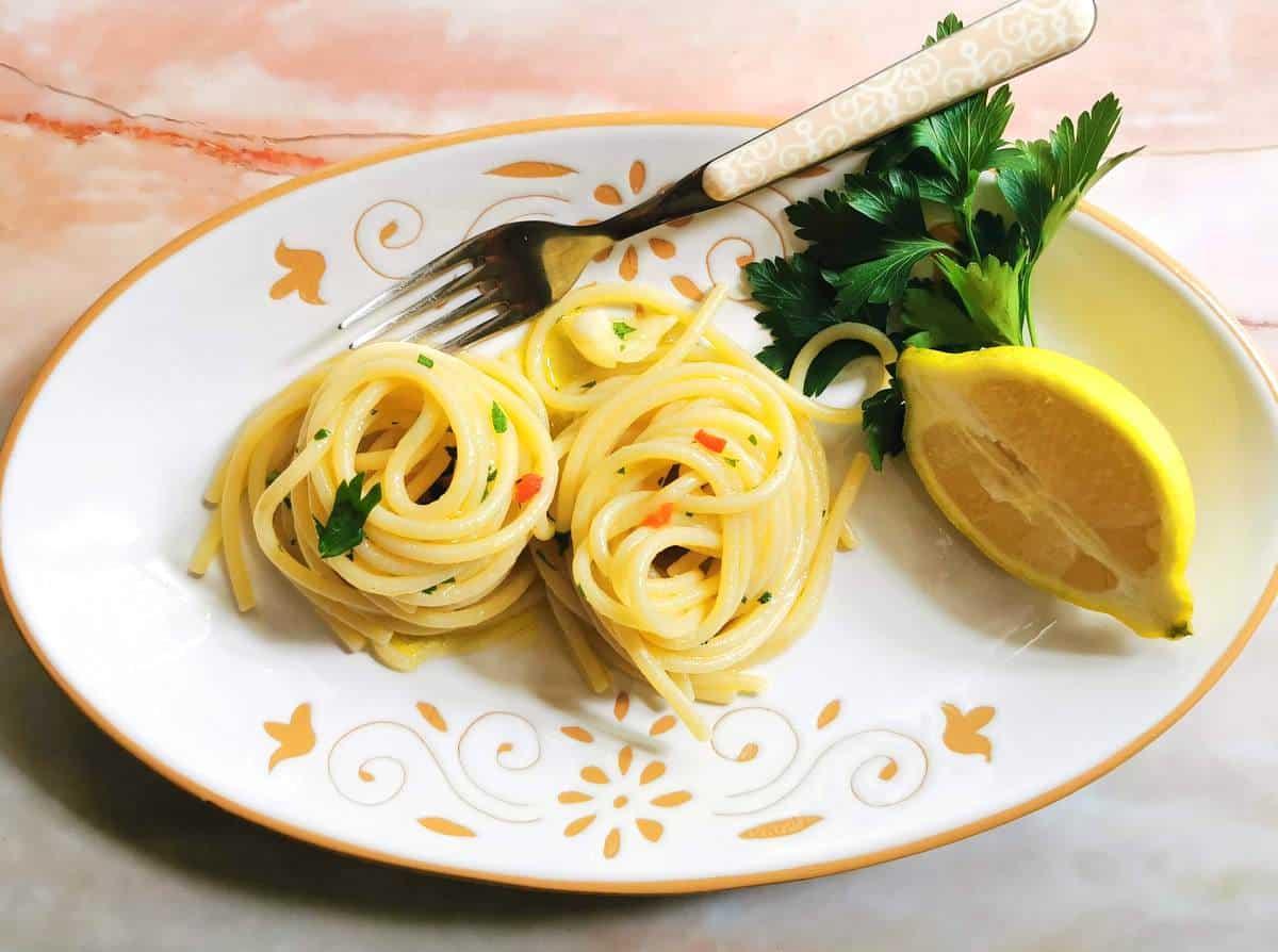 spaghetti alla colatura Italian fish sauce recipe